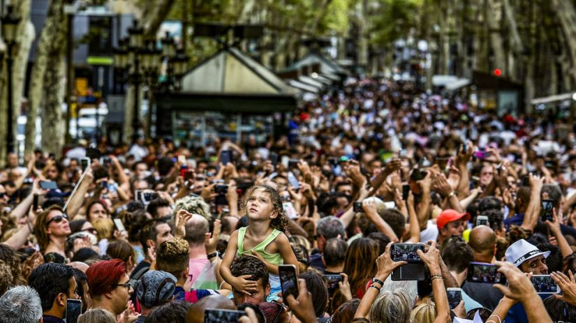 rambla-barcelona-plena-ciutadans_2070403077_56045250_987x555